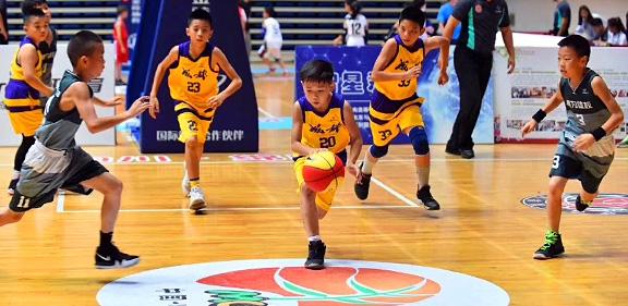 大源学校篮球队代表成都参加四川省小篮球联赛夺得冠军